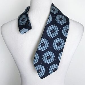 Vintage Johnny Carson Blue Polyester Neck Tie